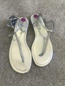 NEW Unisa Women's 8.5 Silver Rhinestone Strappy Sandals NWT