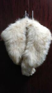 Vintage 50's Creamy White Genuine Fox Fur Stole/Collar/Scarf