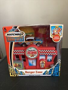2004 Matchbox Hero City Burger Zone Playset Car Included
