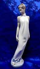ELEGANCE  FEMALE FIGURINE NAO BY LLADRO PORCELAIN #1205