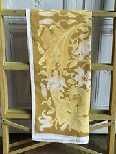 Vintage 1970 s Jonelle Nappe 55 x 55 in (environ 139.70 cm) - Jaune moutarde