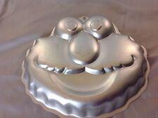 WILTON ELMO CAKE PAN 2105-3461      .