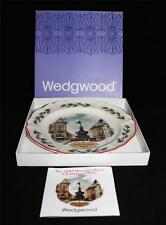 Wedgwood Christmas Collector Plate, 1982 Picadilly Circus London Mib Queensware