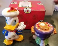 VINTAGE DISNEY DONALD DUCK W/BBQ GRILL SALT AND PEPPER SHAKERS NEW IN BOX