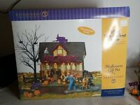 2003 Dept. 56 Halloween Gift Set:  1031 Trick or Treat Drive with Issues