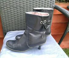 LADIES BLACK LEATHER ANKLE/MID CALF BOOTS BY CLARKS SIZE 6