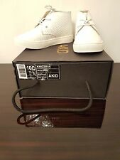 """NEW """"AKID"""" WHITE LEATHER  REPTILE EFFECT DESERT BOOTS SIZE UK9 infant;UK12 kids"""