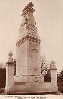POSTCARD    HAMPSHIRE  SOUTHAMPTON   War  Memorial