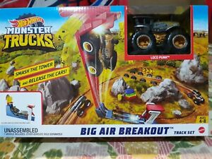 HOT WHEELS 2018 MONSTER TRUCKS BIG AIR BREAKOUT TRACK SET LOCO PUNK HOT HOT HOT!