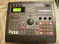 ROLAND SP-808 Groove Sampler Drum Machine Used Operation confirmed from Japan