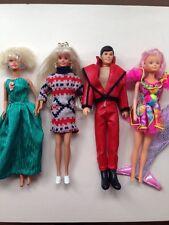 1988 Bambola Barbie in abito da sera 1992 Barbie in Maglione Abito Bambola gioielli + 2