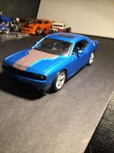1/24 Maisto 2008 Dodge Challenger SRT8 Blue Diecast Model Car Blue