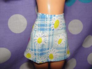 Mattel Barbie TEEN SKIPPER Doll fashion light blue yellow flowers skirt