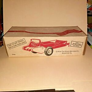 Vintage Tru-Scale *TRACTOR SPREADER WITH BOX* 1:16 S-403