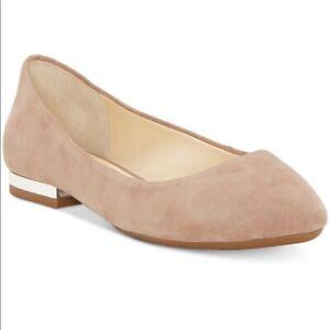 Jessica Simpson Ballet Flats in Tan