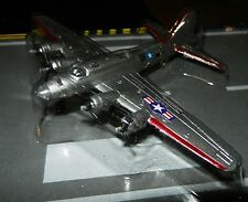 Runway24 RW035 Flying Fortress Boeing B-17 1:275 Scale diecast Silver New