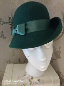 Ladies Winter Green Felt Hat Excellent Condition