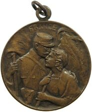 FRANCE MEDAL WW1 SOLDIER KISSING WOMEN 27MM 6G #s7 029