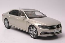 Volkswagen Phideon 2016 car model in scale 1:18 Silver