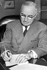 New 5x7 Korean War Conflict Photo: Harry S. Truman Signs Emergency Proclamation