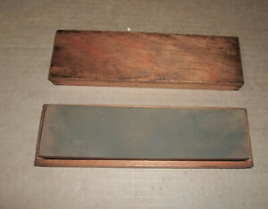 VINTAGE SHARPENING STONE IN WOOD CASE - NEW