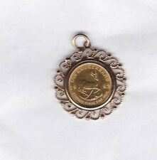 1982 SOUTH AFRICA GOLD 1/10TH OUNCE KRUGERRAND COIN IN 9 CARAT PENDANT MOUNT