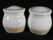 Beautiful Pfaltzgraff Caramel Salt and Pepper Shakers, Excellent condition