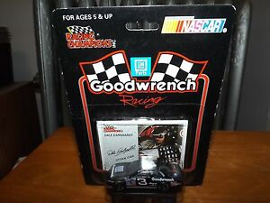 RACING CHAMPIONS DALE EARNHARDT W/COLLECTOR CARD, 1994, STILL SEALED 1:64