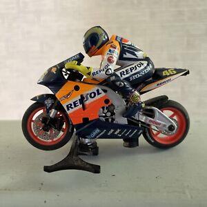 Scalextric Moto GP Race Bikie Valentino Rossi #46 Honda The Doctor