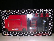 TEAM CALIBER NASCAR 2002 1:24 SCALE PIT KIT