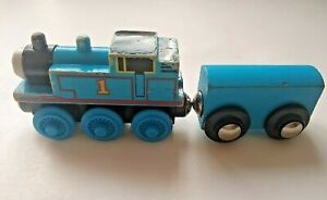 1996 Thomas the Train & Friends TANK ENGINE  plus 1 Cars for Wood Track