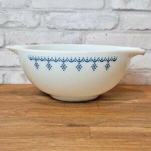 Vintage Pyrex Snowflake Garland 443 Cinderella Nesting Bowl Blue White