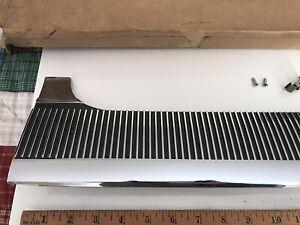 NOS GM 1964 Oldsmobile 98 (4 Dr) RH Rear Door Ribbed Die Cast Molding Pkg 384852