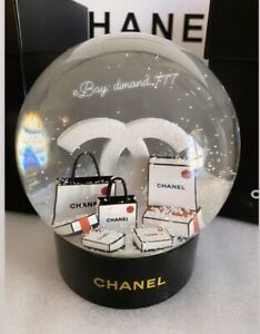 ‼️CLEARANCE ❄️🎄Brand New CHANEL 2019 X'mas ViP Gift Rare Luxury Snow Globe 🎄❄️