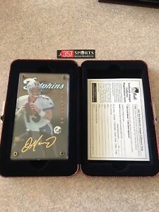 1998 AUTHENTIC IMAGES DAN MARINO SCREW DOWN CASE MIAMI DOLPHINS /1000 24KT GOLD