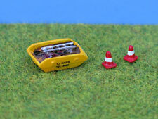 N gauge Painted Skip & road cones - P&D Marsh PDX43 free post F1