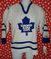 Toronto Maple Leafs Jersey authentic CCM Hockey Jersey Youth L/XL Sewn NWT A372