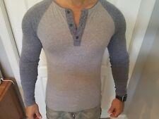 EUC Levis long sleeve raglan 3 button henley shirt - small