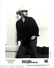 """Daryle Sigletary 8"""" x 10"""" No Autograph Promotional Picture"""