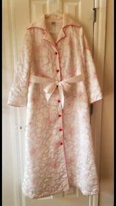 Ladies Vintage Robe Size M ( ( Neiman Marcus)
