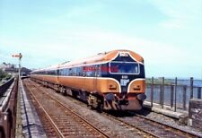 PHOTO  IRISH RAILWAY - CIE LOCO NO  6101 123 BALBRIGGAN 05.06.1993