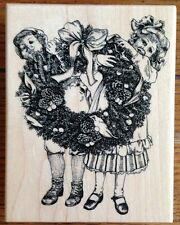 Psx Rubber Stamp Christmas Girls Holding Wreath K-3524 2003