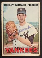 Dooley Womack Yankees Signed 1967 Topps Baseball Card #77 Auto Autograph 2
