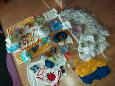 Baby  Zubehör paket Spucktücher, Socken, Decke, Strampler, latschen neu und Gebr