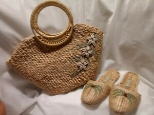 Tommy Bahama Large Straw BEACH/TRAVEL TOTE BAG & Sandals Flower Stitched