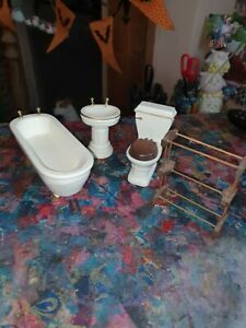 Dolls House Bathroom
