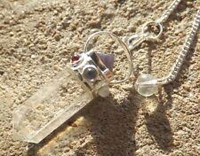Brazilian quartz 7 chakra guérison radiesthésie pendule pendentif. avec pyramide en haut