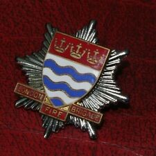 VINTAGE OBSOLETE LONDON FIRE BRIGADE CAP BADGE - THREE CROWNS