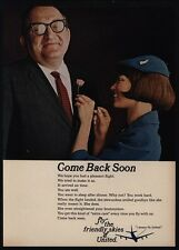 1966 UNITED AIRLINES - Pretty Stewardess Pins Flower On Passenger - VINTAGE AD