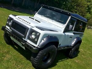 Land Rover Defender puma style GRP bonnet with grill td5/v8/200/300tdi